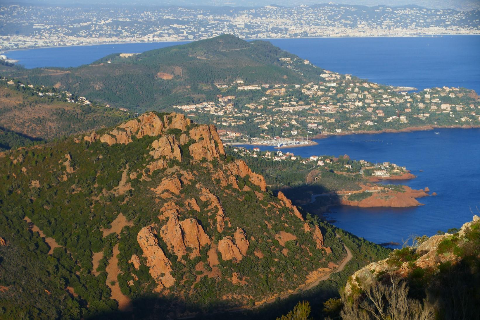 Pic du Cap Roux - vue sur la Baie de Cannes
