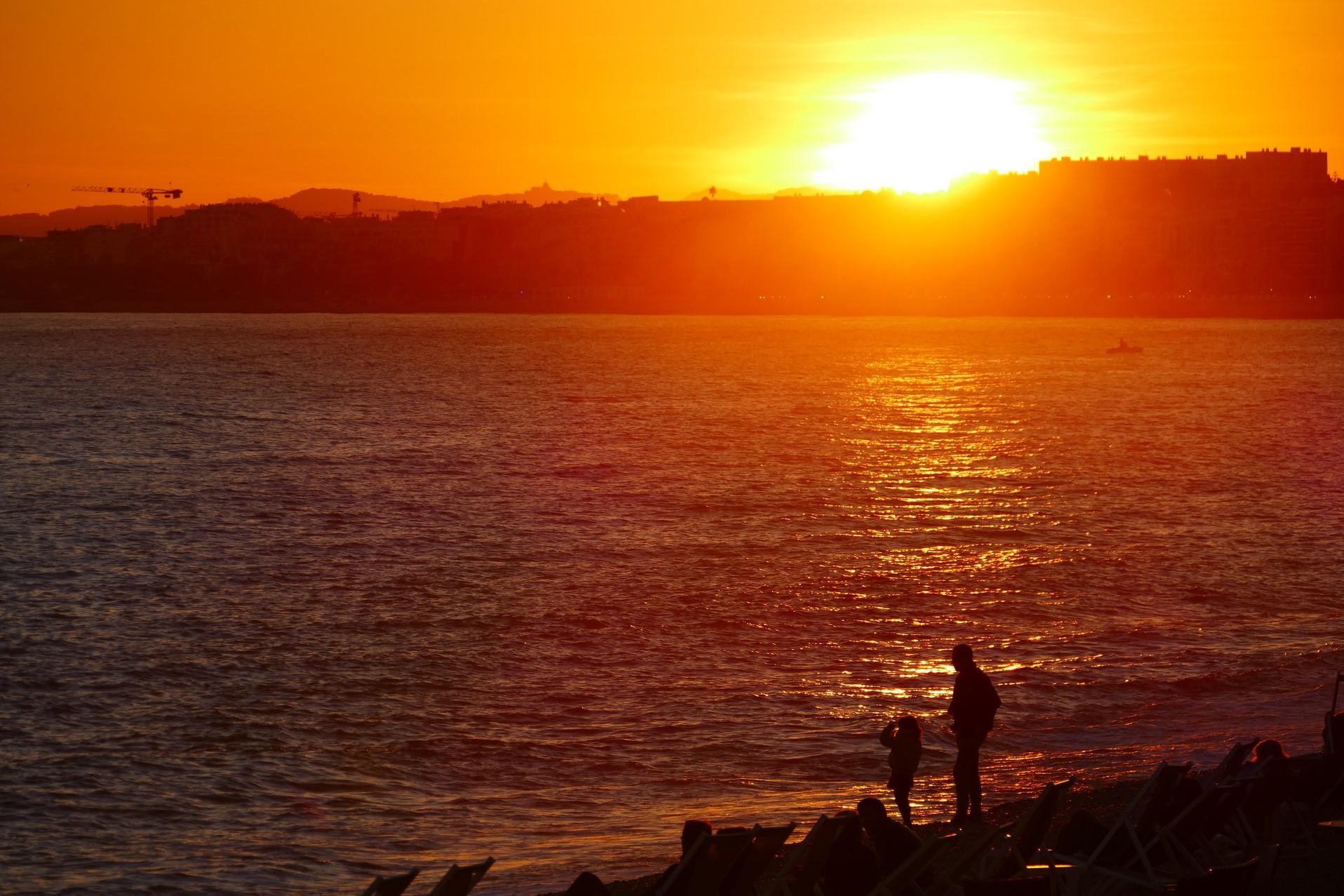 Coucher de soleil sur Promenade des Anglais - Nice